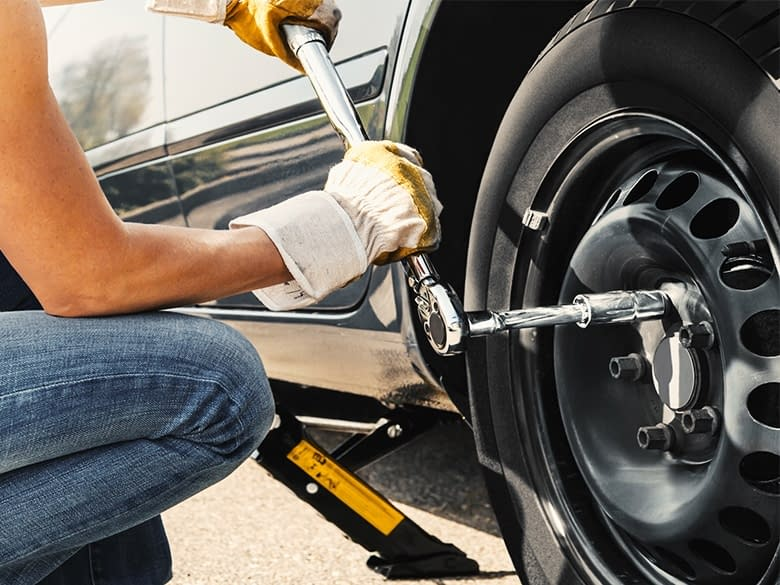 The Dos And Don'ts Of Changing Your Car's Tires